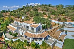 Boliqueime 5 bedroom contemporary villa with country...